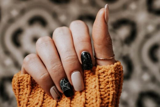 Stylizacja paznokci - jakie kursy wybrać?