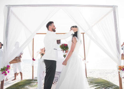 Skąd wziąć parkiet do namiotu weselnego